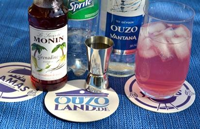 Cocktail Ouzo mit Sprite und Grenadine