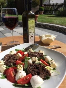 Paximadi mit Olivenöl und Rotwein aus Griechenland