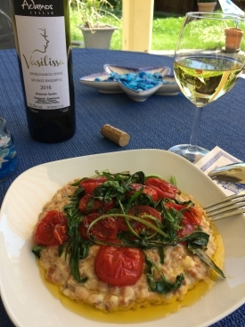 Vasilissa Muskatwein aus Griechenland zu Trachanas als Risotto zubereitet