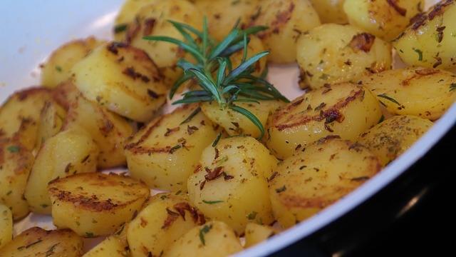 Bratkartoffeln mit Olivenöl anbraten